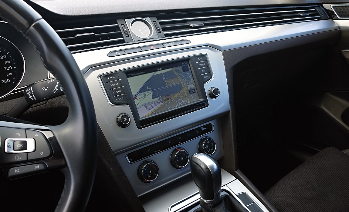 VW Passat 2.0 Tdi 110kw Dsg Comfortline Bmt 7