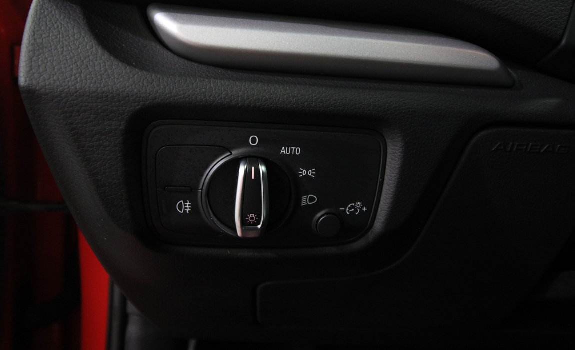 audi A3 Sedan 1.6 Tdi 77 Kw Business S Tronic 18